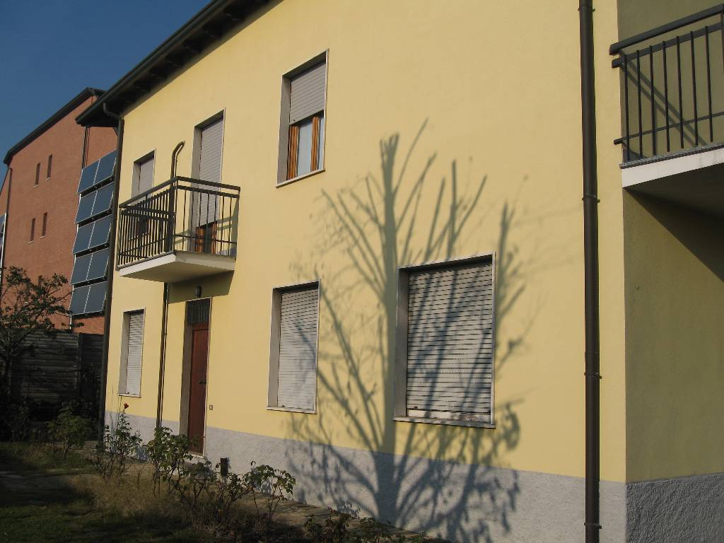 Villa in vendita a Treviglio, 7 locali, Trattative riservate | Cambio Casa.it