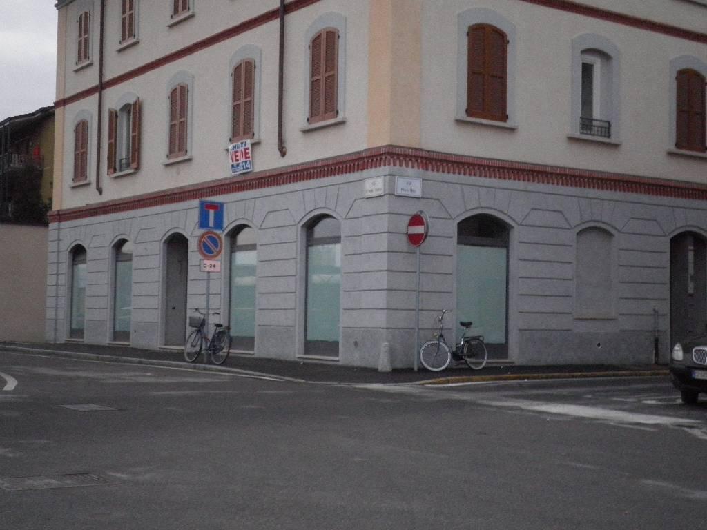 Negozio / Locale in Affitto a Treviglio