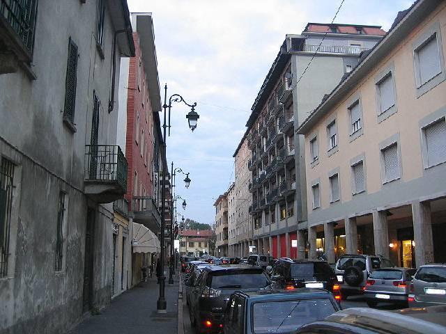 Ufficio / Studio in affitto a Treviglio, 3 locali, prezzo € 1.200 | Cambio Casa.it