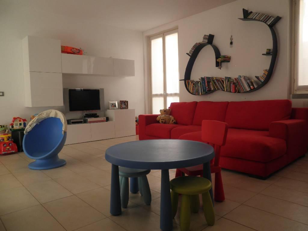 Appartamento in vendita a Caravaggio, 4 locali, prezzo € 249.000 | CambioCasa.it