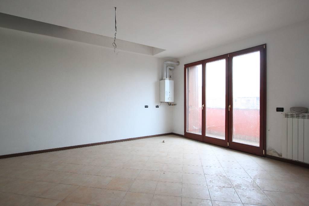 Appartamento in affitto a Treviglio, 3 locali, prezzo € 580 | Cambio Casa.it