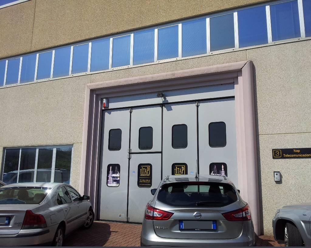Capannone in vendita a Treviglio, 9999 locali, Trattative riservate | CambioCasa.it