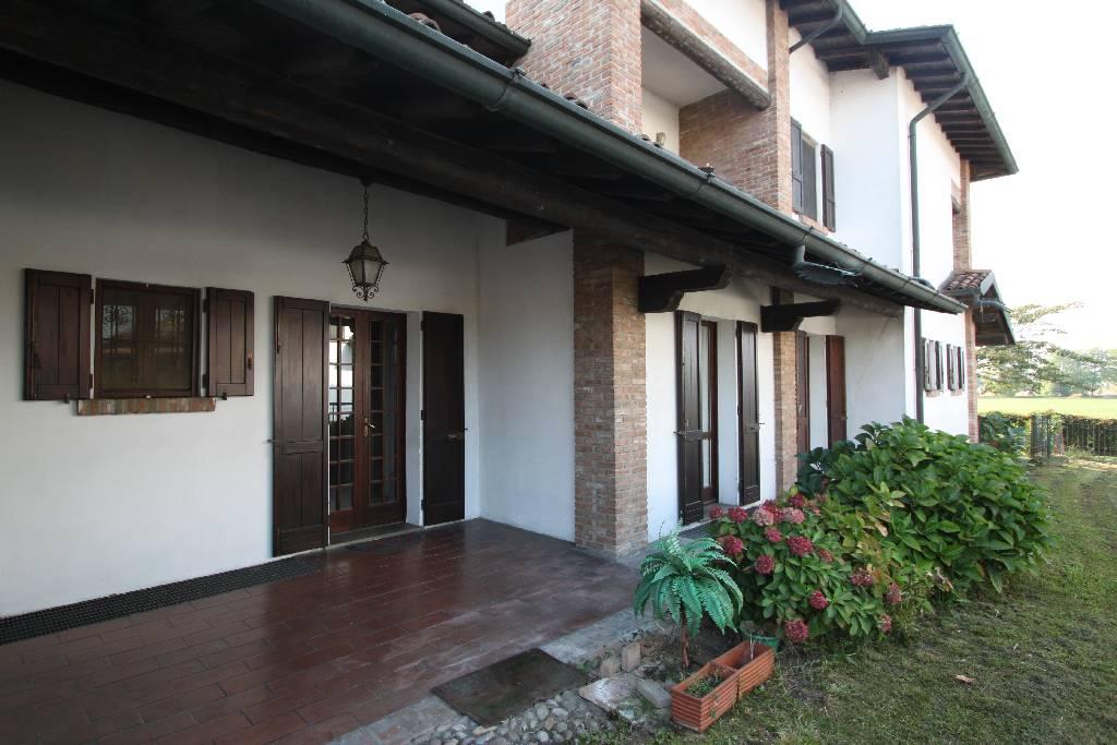 Villa in Vendita a Misano di Gera d'Adda