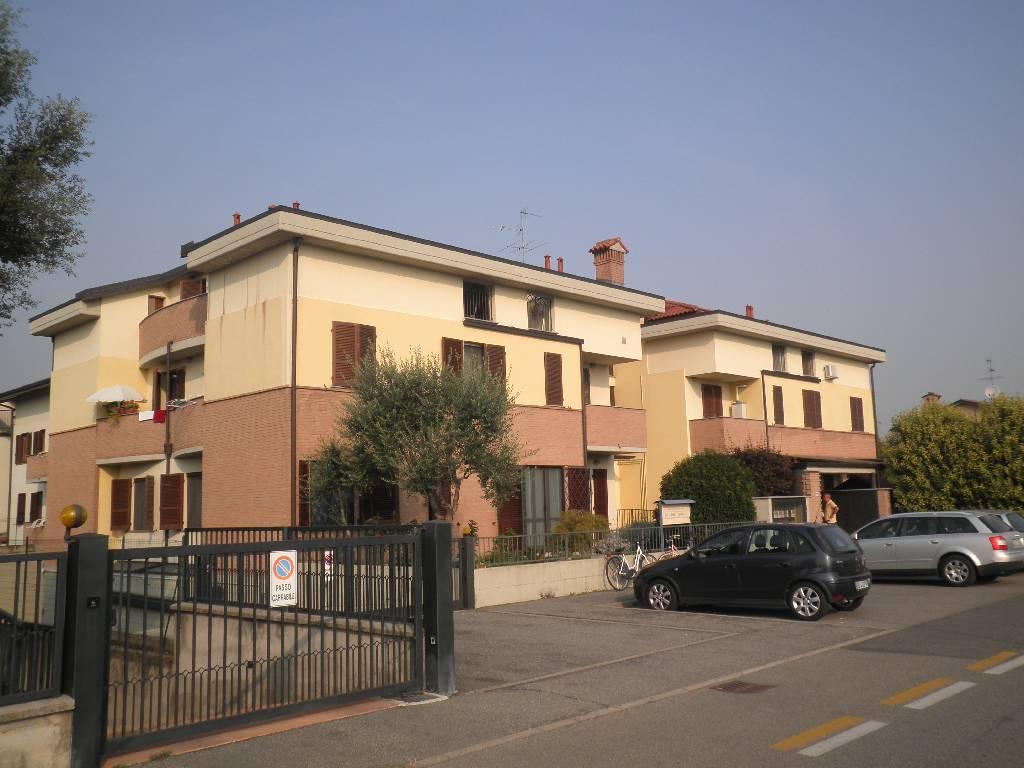Appartamento in vendita a Casirate d'Adda, 2 locali, prezzo € 115.000 | CambioCasa.it