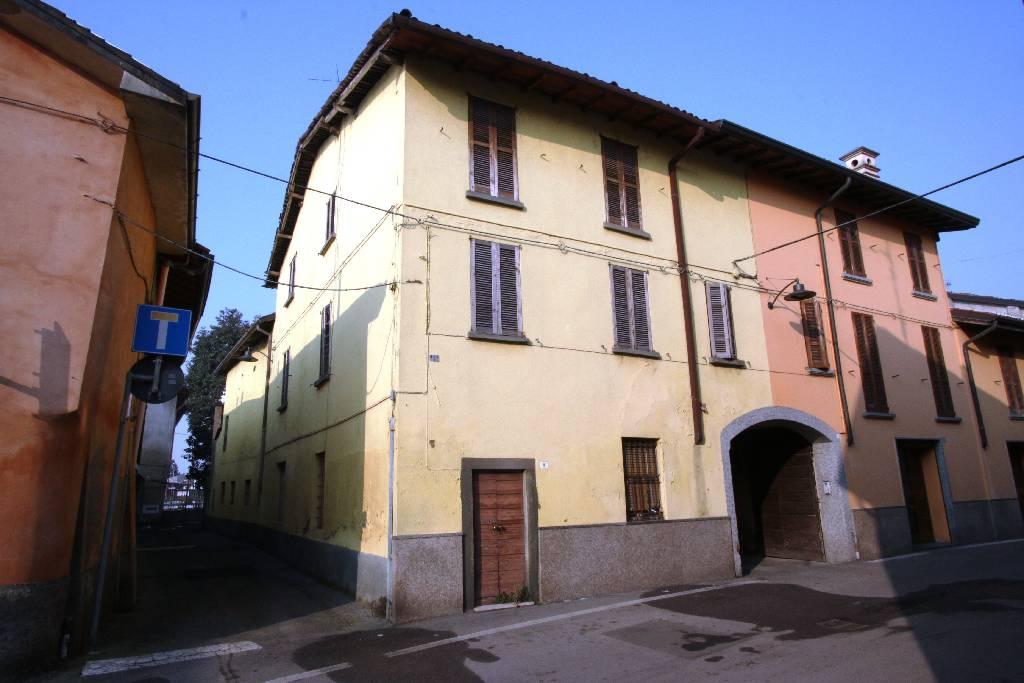 Rustico / Casale in vendita a Calvenzano, 8 locali, prezzo € 129.000 | CambioCasa.it