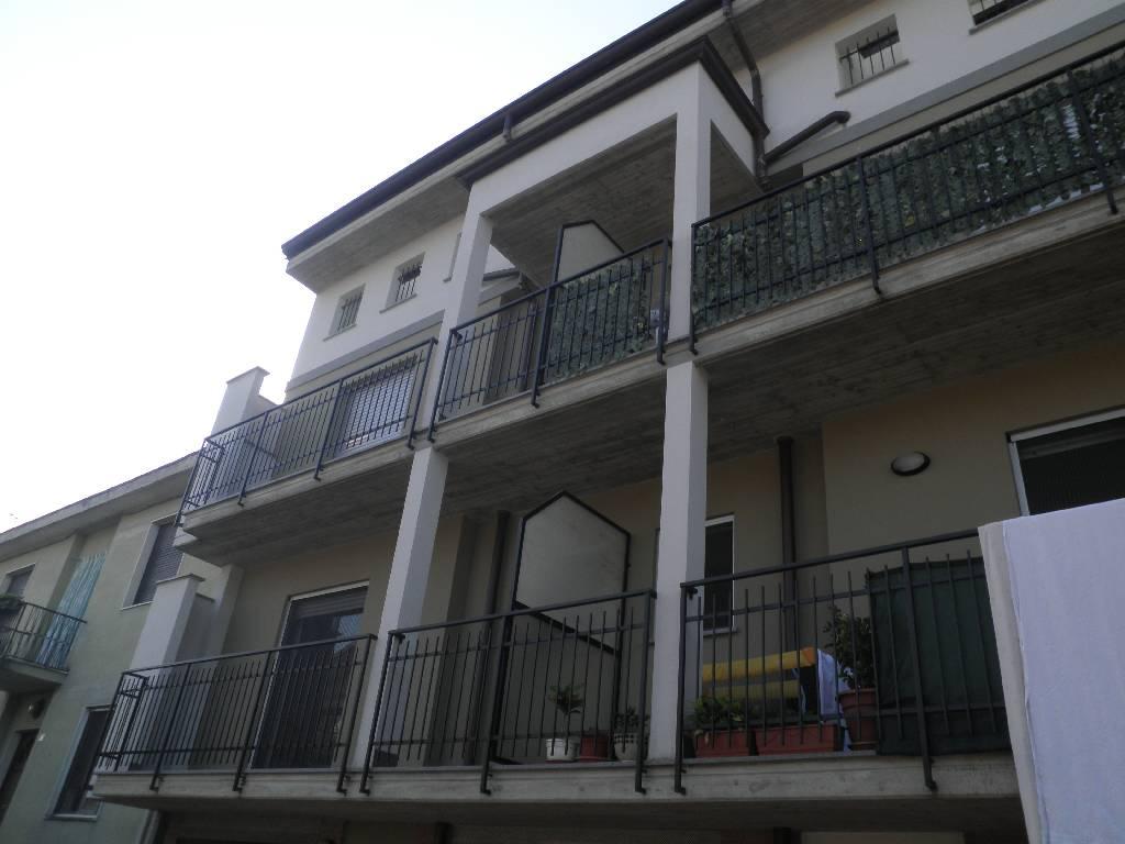 Appartamento in vendita a Caravaggio, 2 locali, prezzo € 120.000 | CambioCasa.it