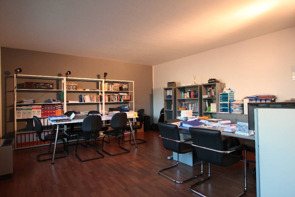 Ufficio / Studio in vendita a Treviglio, 3 locali, prezzo € 170.000 | Cambio Casa.it