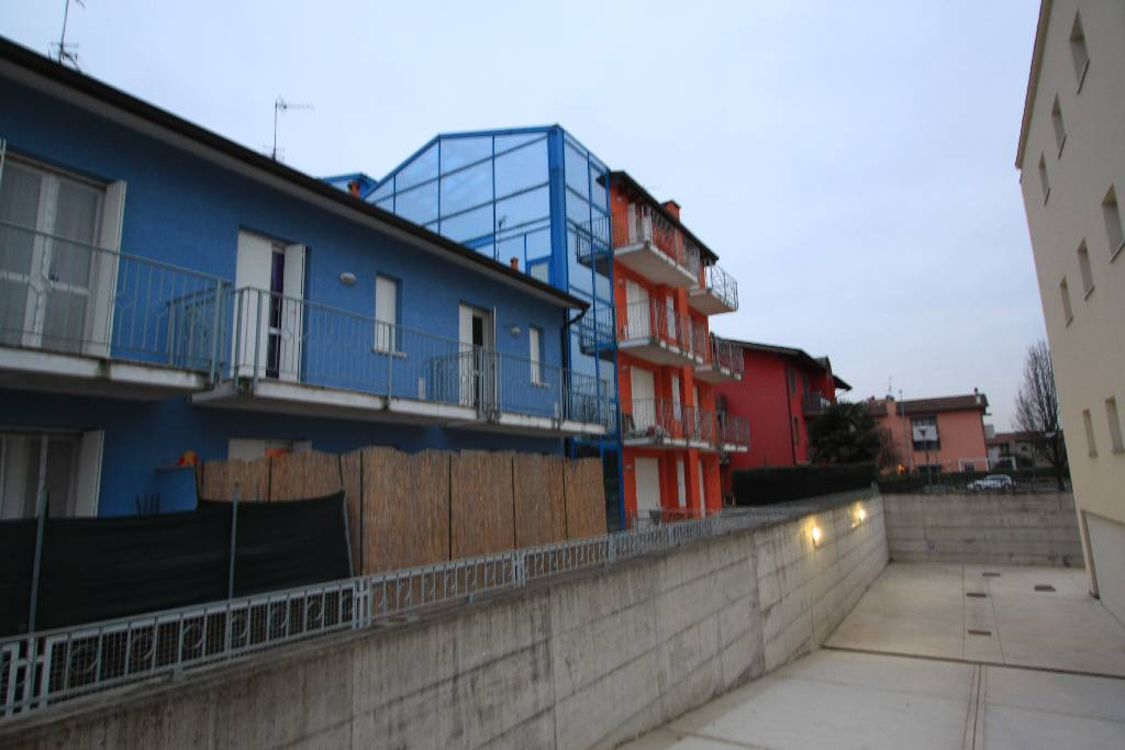 Appartamento in affitto a Calvenzano, 2 locali, prezzo € 410 | CambioCasa.it
