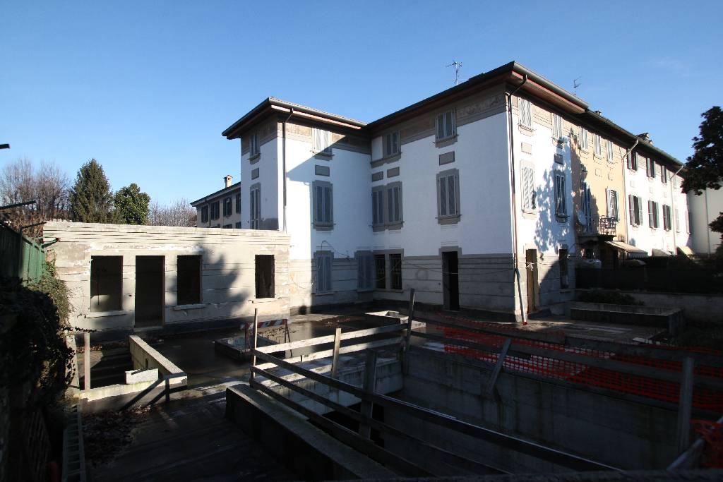 Soluzione Indipendente in vendita a Treviglio, 7 locali, Trattative riservate | Cambio Casa.it