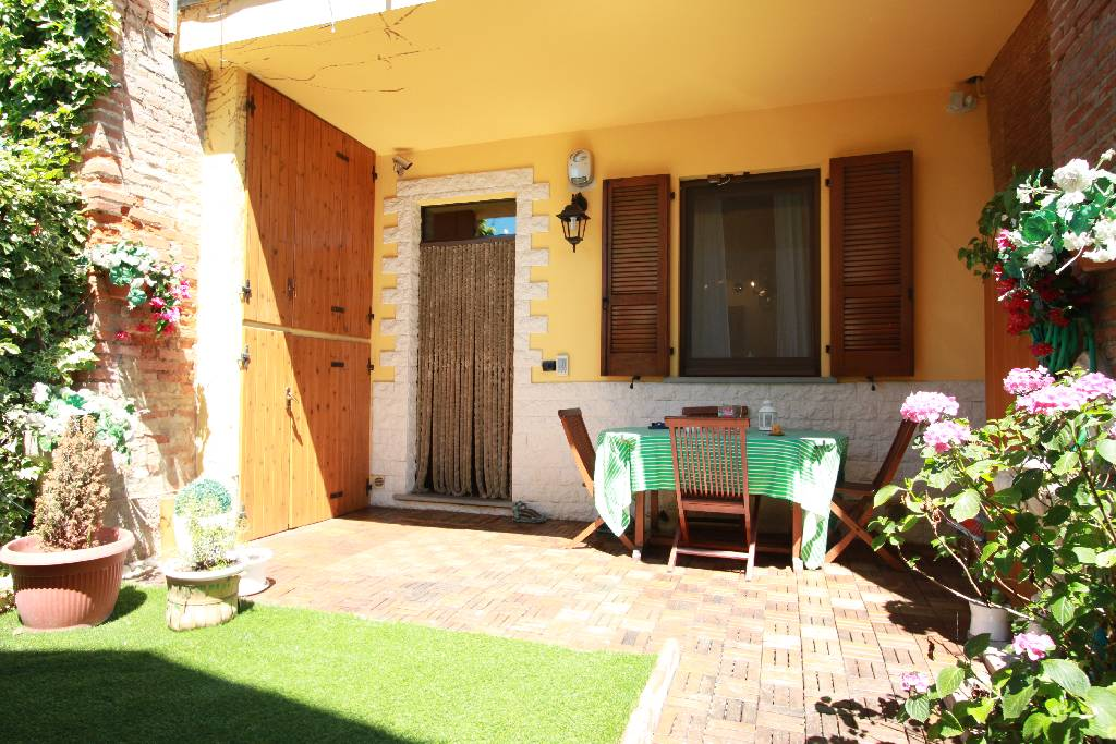Soluzione Indipendente in vendita a Pagazzano, 5 locali, Trattative riservate | CambioCasa.it