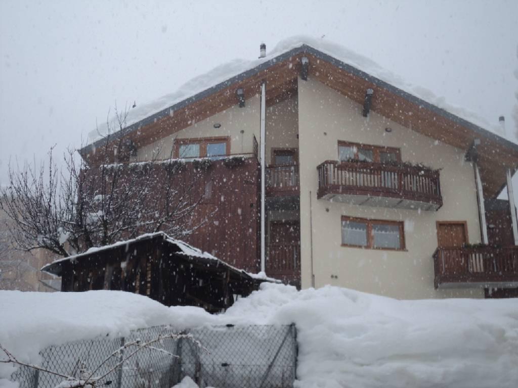 Appartamento in ottime condizioni arredato in vendita Rif. 4759221