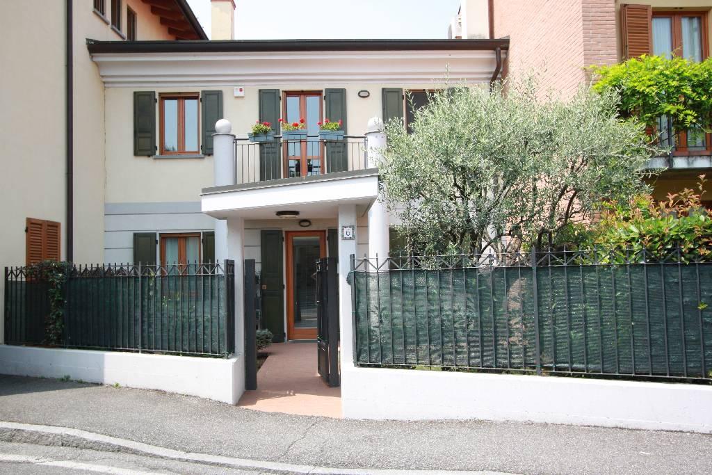 Villa a Schiera in vendita a Treviglio, 4 locali, prezzo € 490.000 | PortaleAgenzieImmobiliari.it