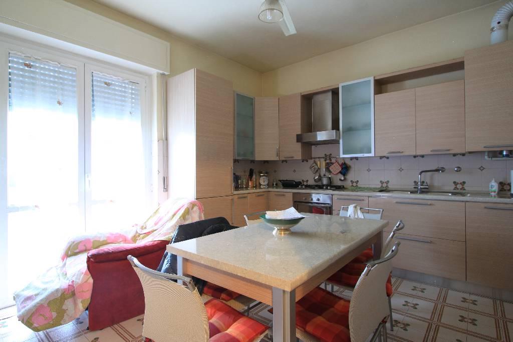 Villa in vendita a Vailate, 5 locali, prezzo € 340.000 | CambioCasa.it