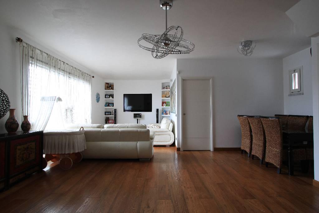 Villa a Schiera in vendita a Fornovo San Giovanni, 4 locali, prezzo € 530.000   Cambio Casa.it