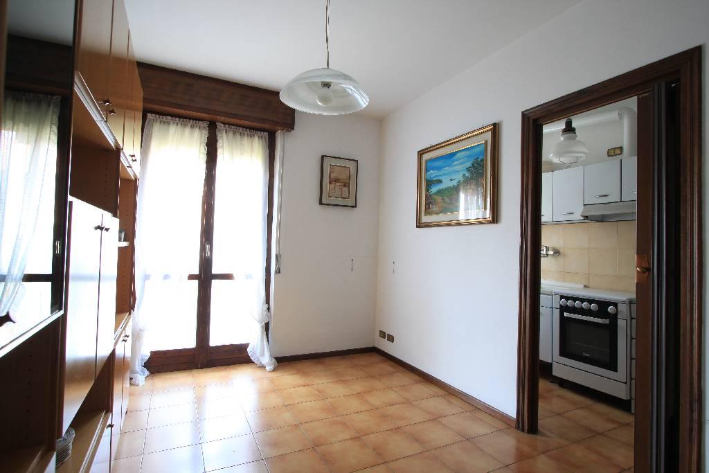 Appartamento in vendita a Treviglio, 3 locali, prezzo € 95.000 | Cambio Casa.it