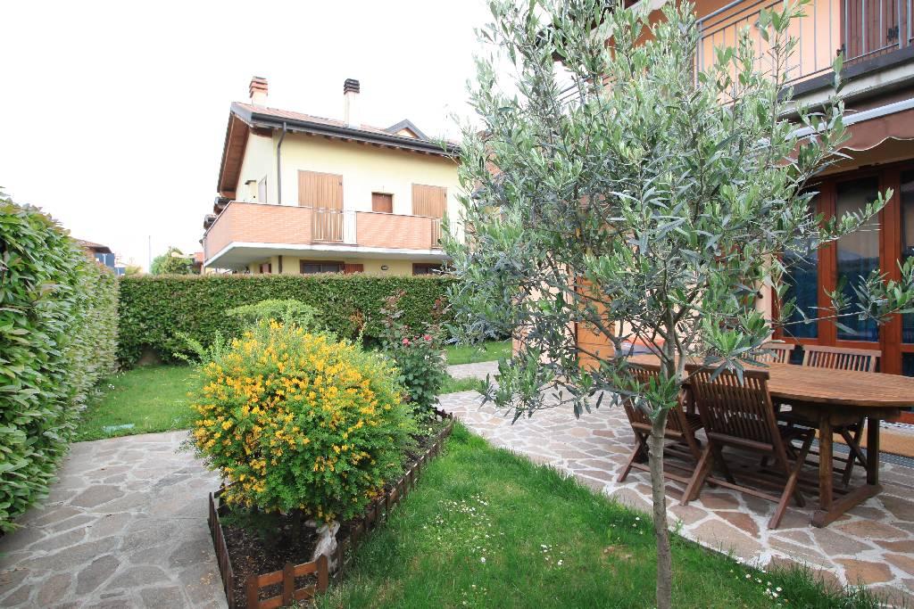 Appartamento in vendita a Brignano Gera d'Adda, 3 locali, Trattative riservate | CambioCasa.it