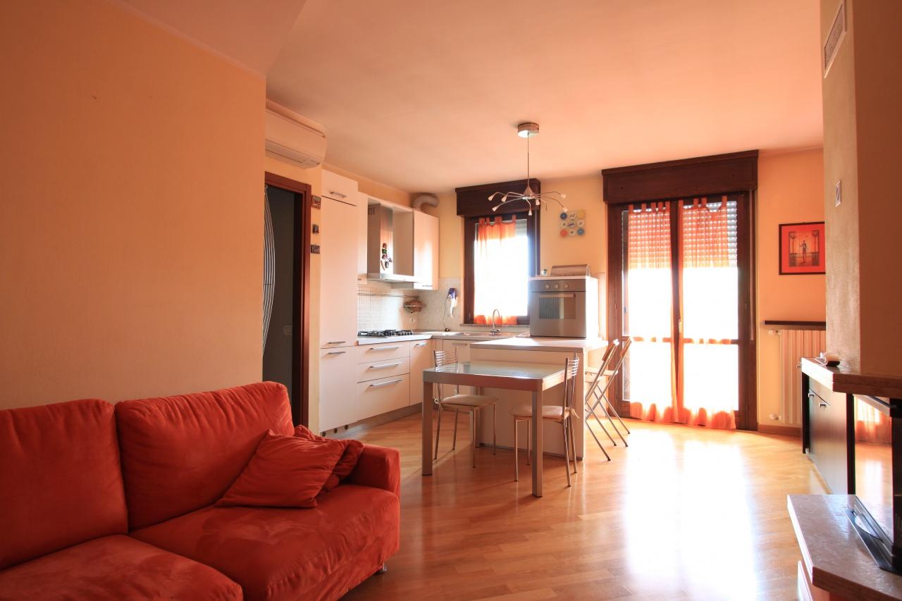 Appartamento in affitto a Caravaggio, 9999 locali, prezzo € 600 | CambioCasa.it