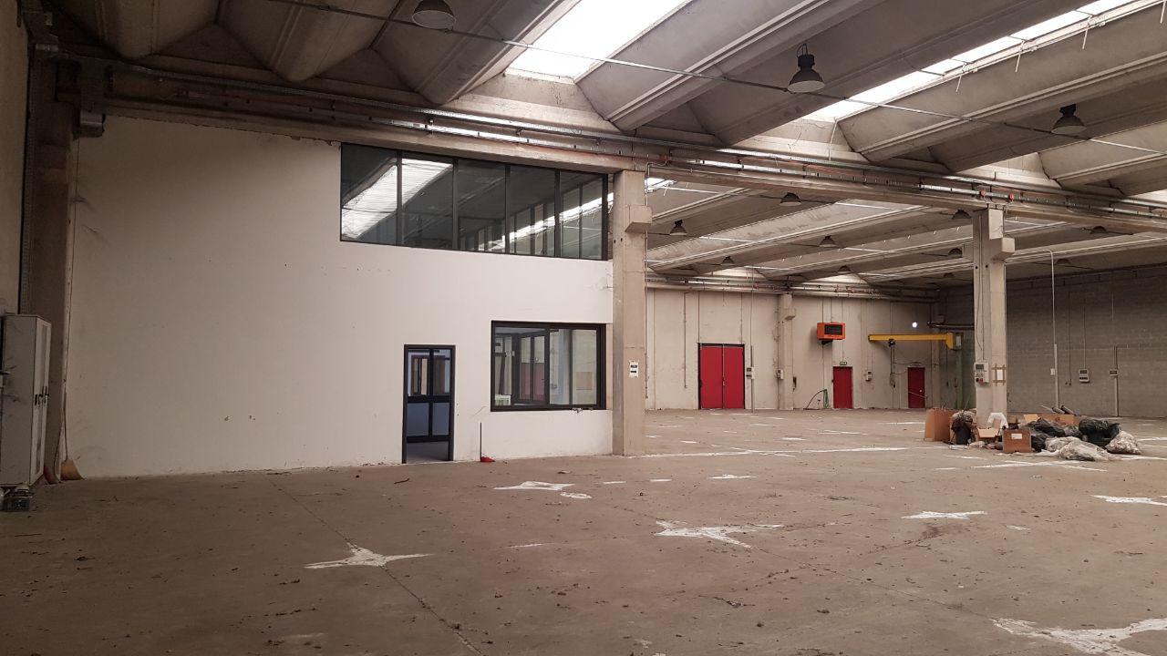 Capannone in vendita a Brignano Gera d'Adda, 9999 locali, Trattative riservate | CambioCasa.it