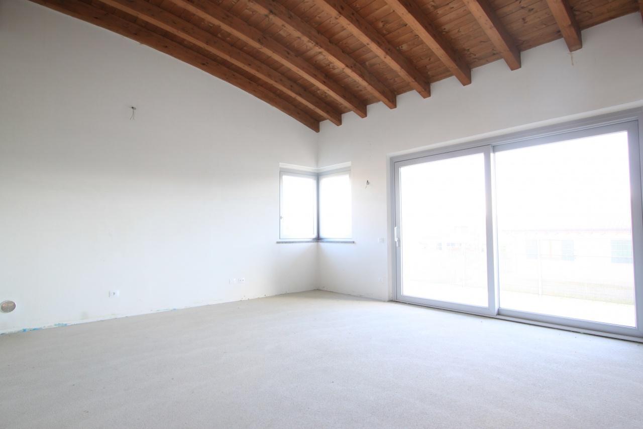 Appartamento in vendita a Arcene, 3 locali, Trattative riservate | CambioCasa.it