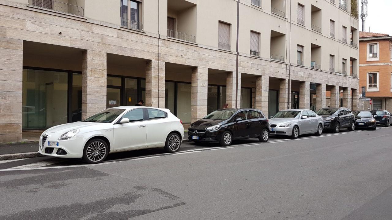 Negozio / Locale in affitto a Treviglio, 3 locali, Trattative riservate | CambioCasa.it