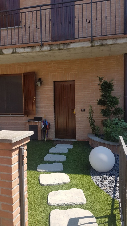 Soluzione Indipendente in affitto a Boltiere, 3 locali, Trattative riservate | CambioCasa.it