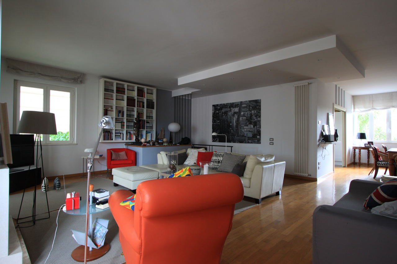 Villa in vendita a Caravaggio, 5 locali, prezzo € 405.000 | CambioCasa.it