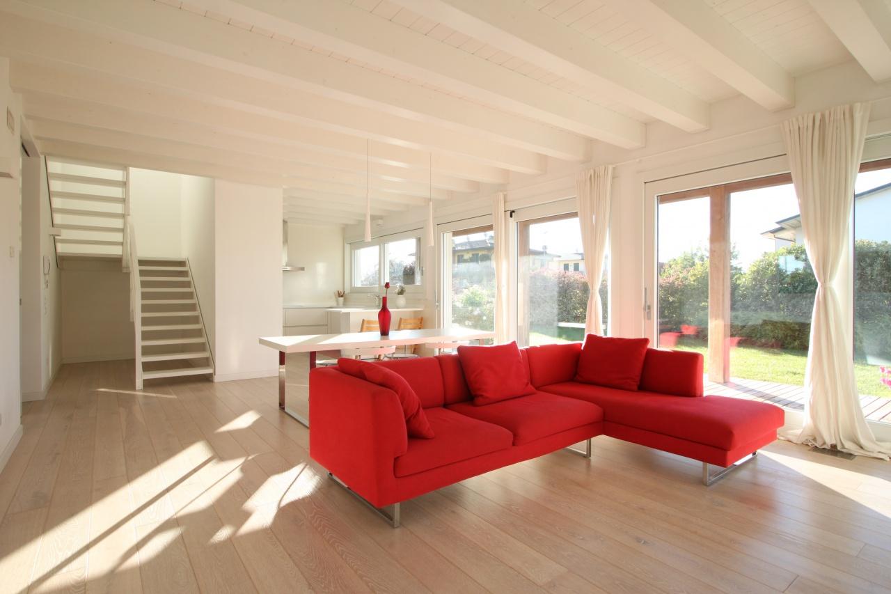 Villa in vendita a Caravaggio, 5 locali, prezzo € 585.000 | PortaleAgenzieImmobiliari.it