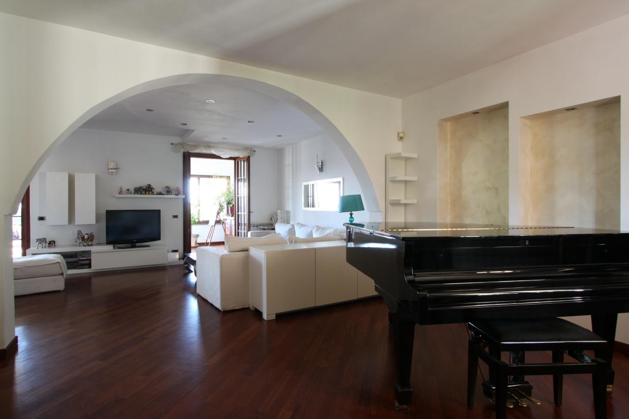 Soluzione Semindipendente in vendita a Misano di Gera d'Adda, 4 locali, prezzo € 380.000 | PortaleAgenzieImmobiliari.it