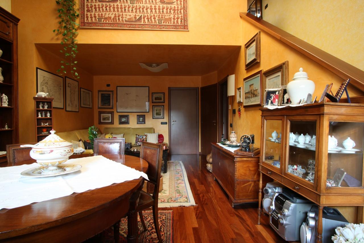 Soluzione Indipendente in vendita a Sesto San Giovanni, 3 locali, prezzo € 370.000 | PortaleAgenzieImmobiliari.it