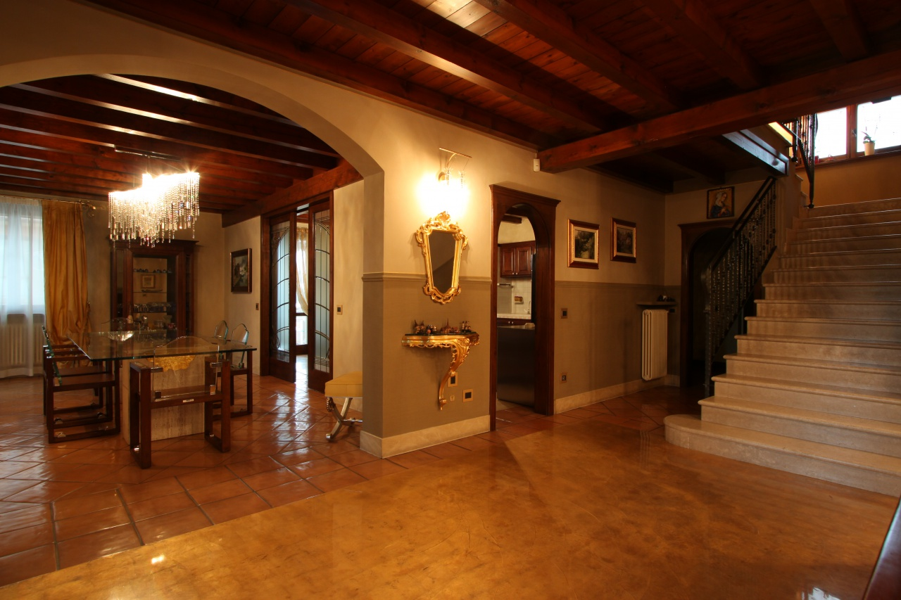 Casa Indipendente in ottime condizioni in vendita Rif. 4759455