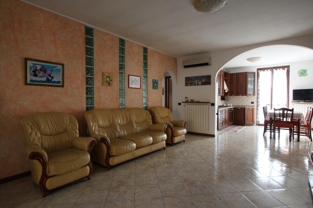 Villa a Schiera in Vendita a Castel Rozzone