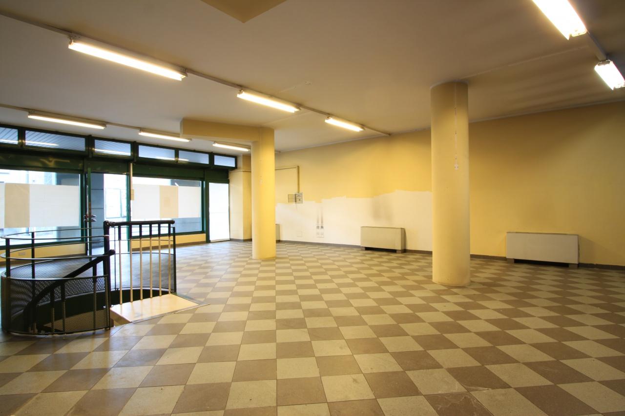 Negozio / Locale in vendita a Treviglio, 1 locali, prezzo € 175.000 | PortaleAgenzieImmobiliari.it