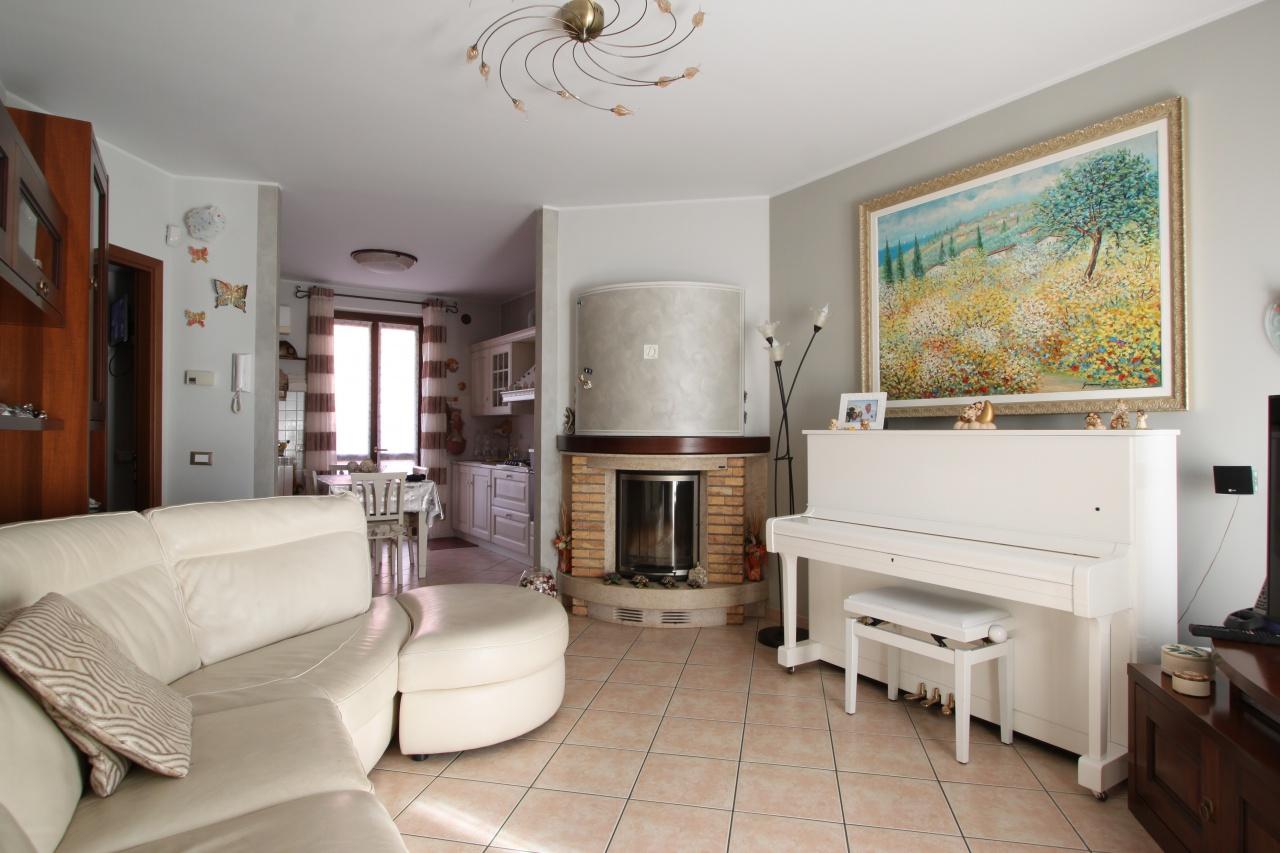 Villa a Schiera in vendita a Vailate, 3 locali, prezzo € 210.000 | CambioCasa.it