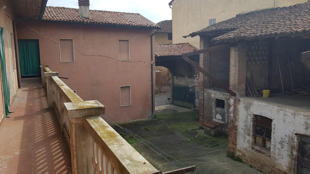 Rustico / Casale in vendita a Pagazzano, 5 locali, prezzo € 95.000 | CambioCasa.it