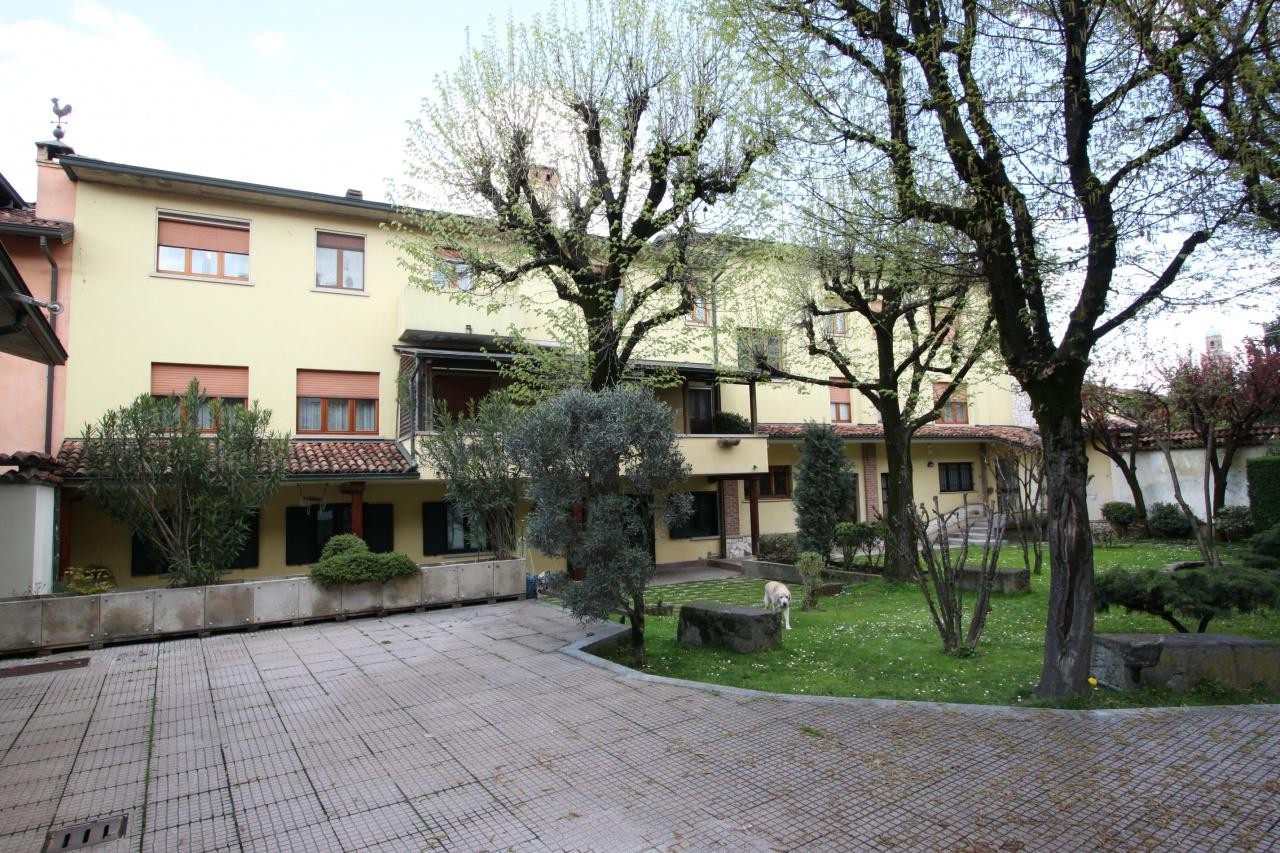 Casa Indipendente in buone condizioni in vendita Rif. 6338223