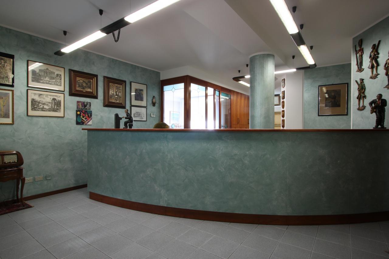 Ufficio / Studio in affitto a Treviglio, 3 locali, prezzo € 1.000 | CambioCasa.it