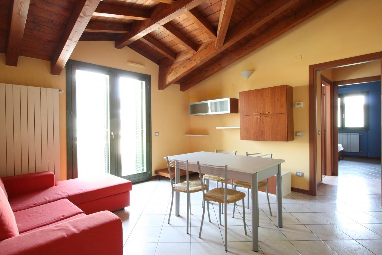 Appartamento in buone condizioni arredato in vendita Rif. 6913436