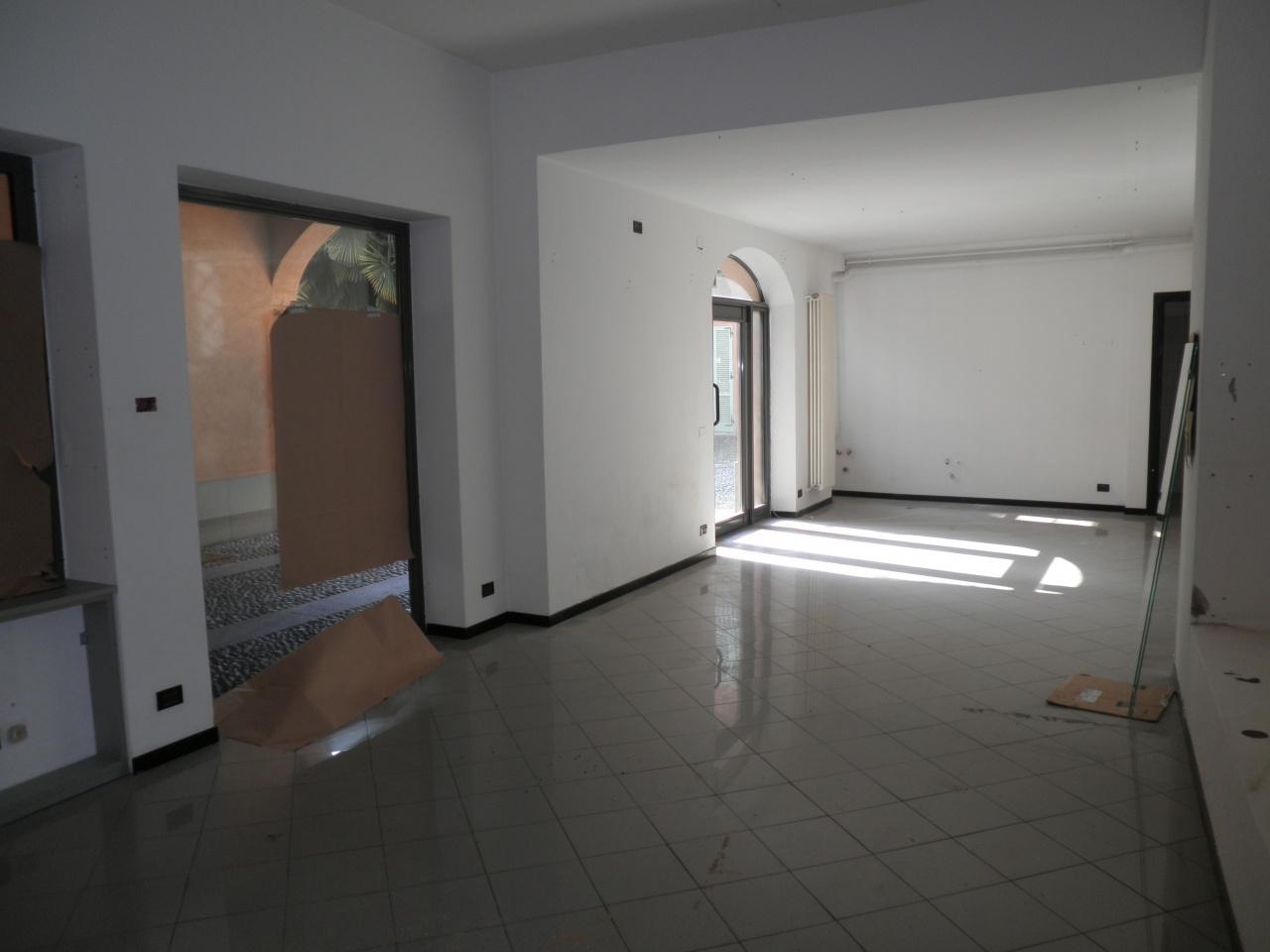 Attività commerciale in buone condizioni in vendita Rif. 7037296
