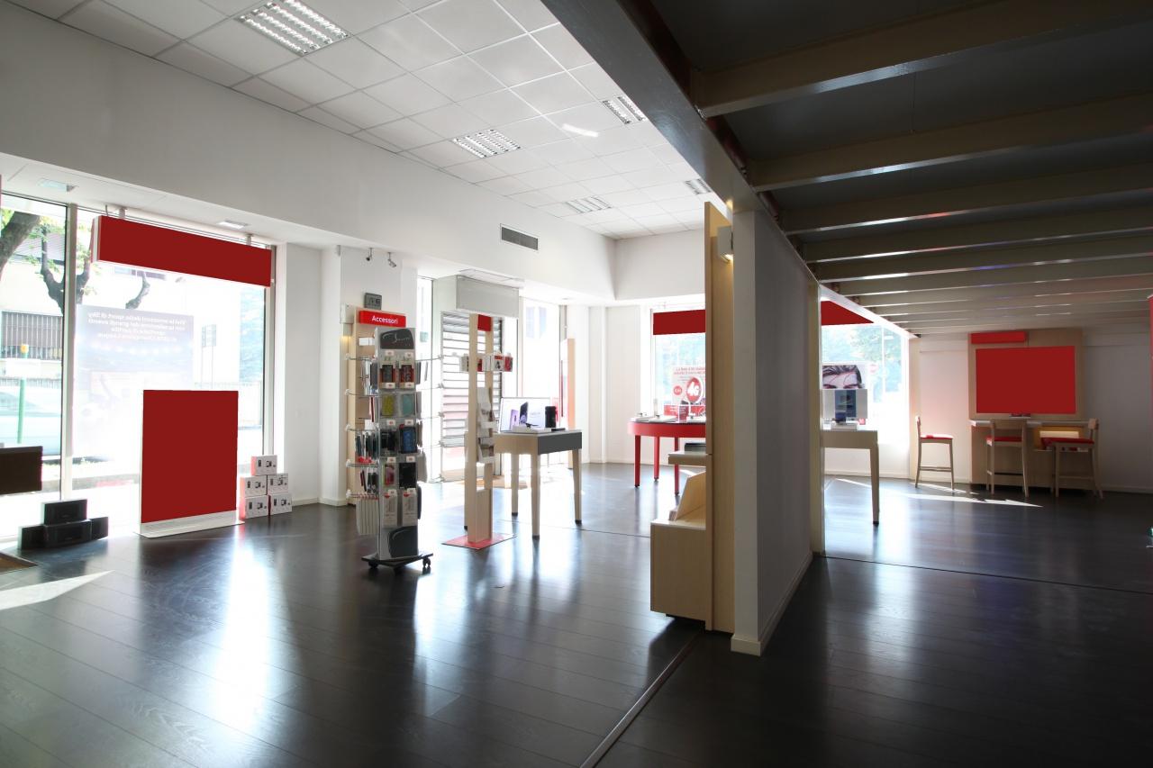 Negozio / Locale in affitto a Treviglio, 9999 locali, prezzo € 2.100 | PortaleAgenzieImmobiliari.it