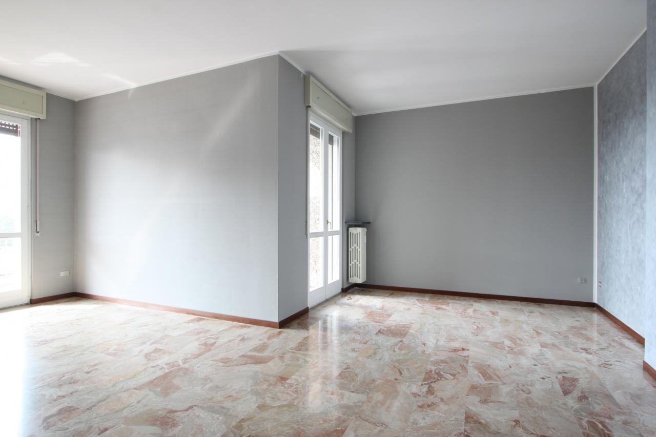 Appartamento in buone condizioni in affitto Rif. 7952943