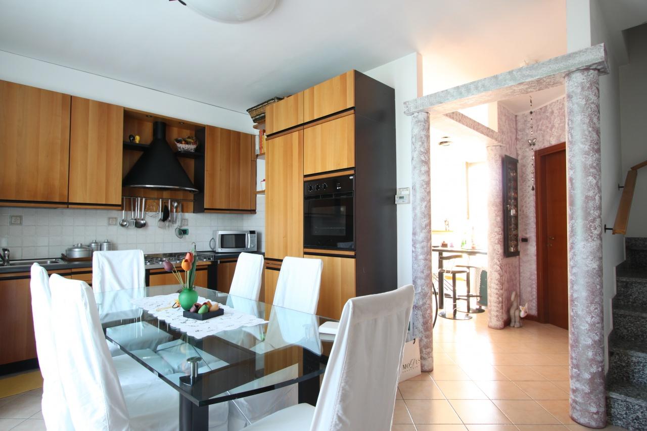 Appartamento in affitto a Arcene, 2 locali, prezzo € 550 | CambioCasa.it