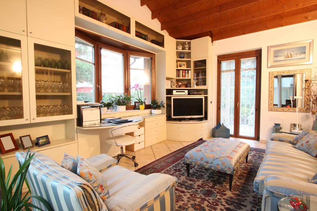 Villa Treviglio Vendita 420 000 300 Mq Riscaldamento Autonomo Doppi Cambiocasa It