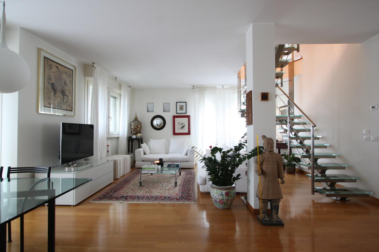 Appartamento in ottime condizioni in vendita Rif. 8840180