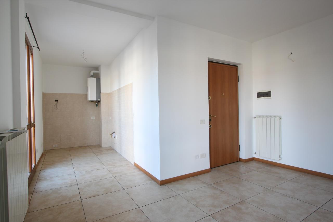 Appartamento in vendita a Castel Rozzone, 3 locali, prezzo € 120.000 | CambioCasa.it