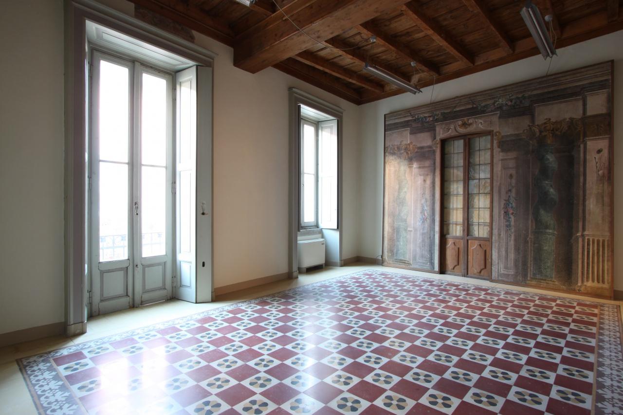 Ufficio / Studio in affitto a Treviglio, 6 locali, prezzo € 2.000 | CambioCasa.it