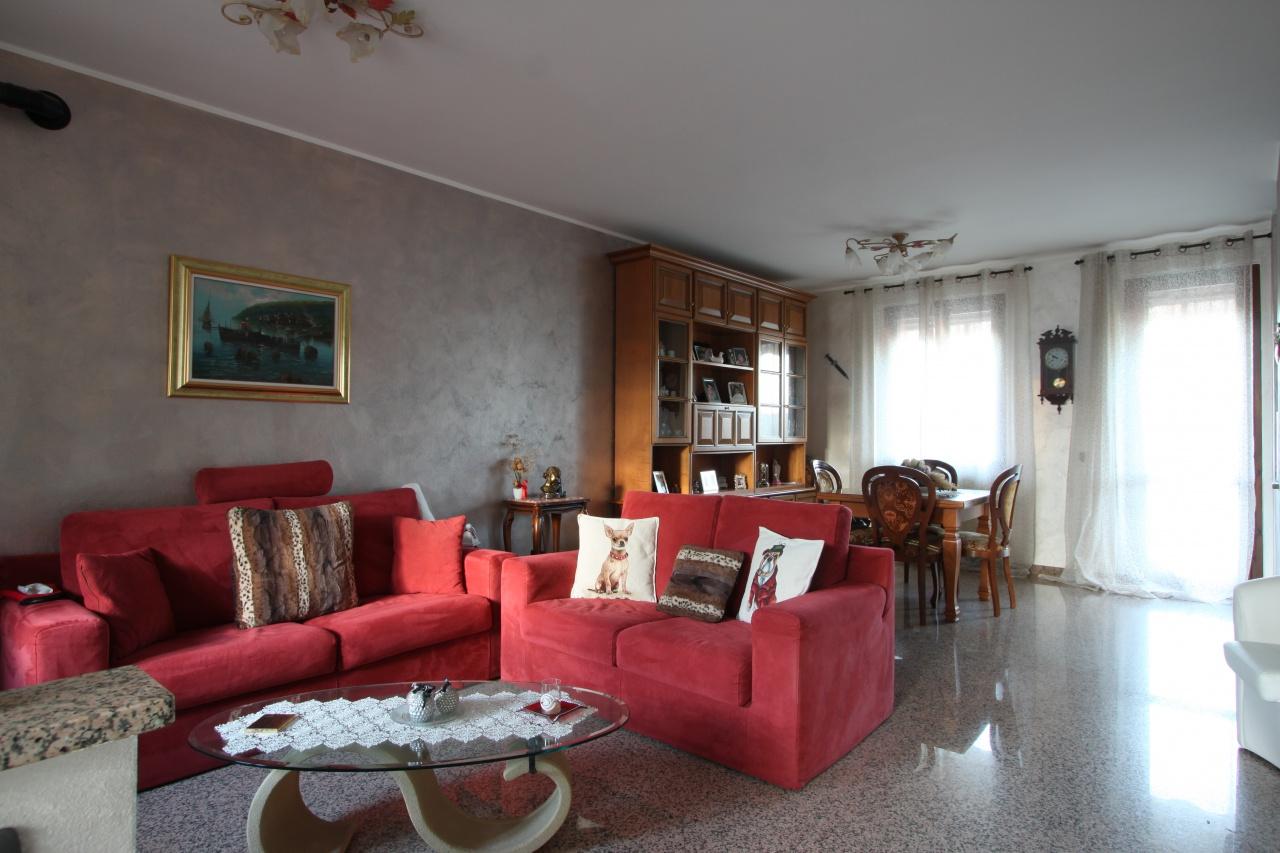 Villa a Schiera in vendita a Caravaggio, 4 locali, prezzo € 220.000 | CambioCasa.it