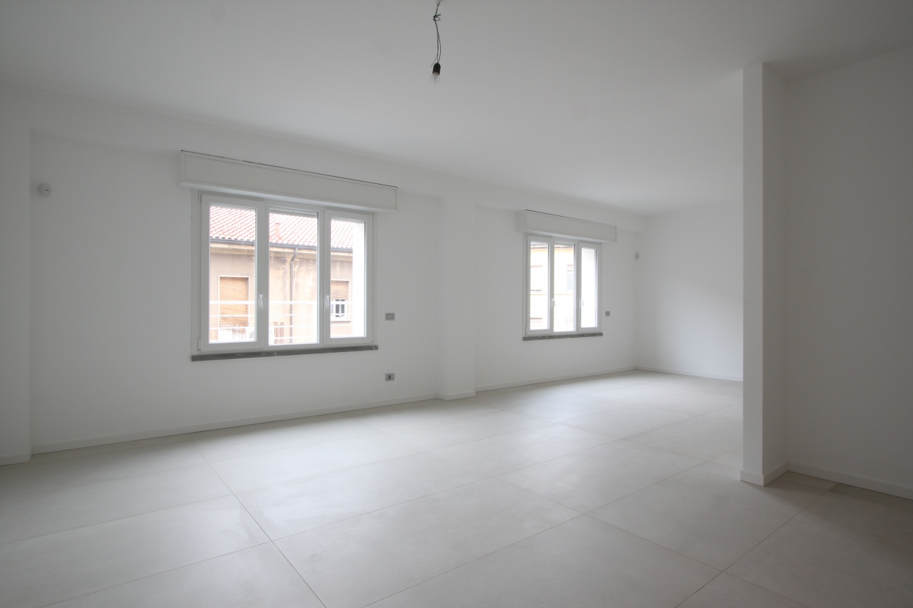 Ufficio / Studio in affitto a Treviglio, 4 locali, prezzo € 1.500 | PortaleAgenzieImmobiliari.it