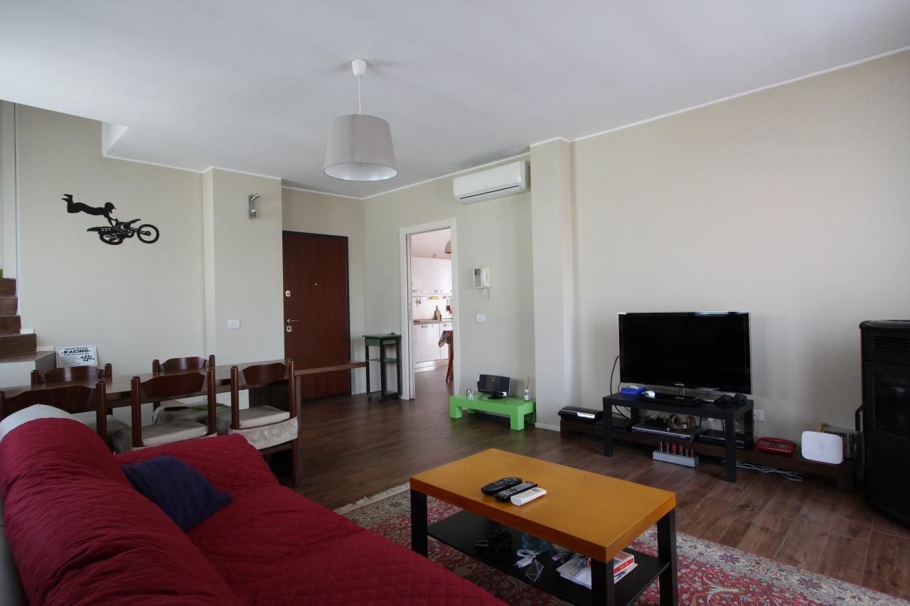 Appartamento in ottime condizioni in vendita Rif. 10260945