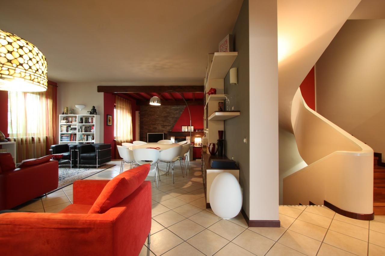 Villa in ottime condizioni in vendita Rif. 11417357