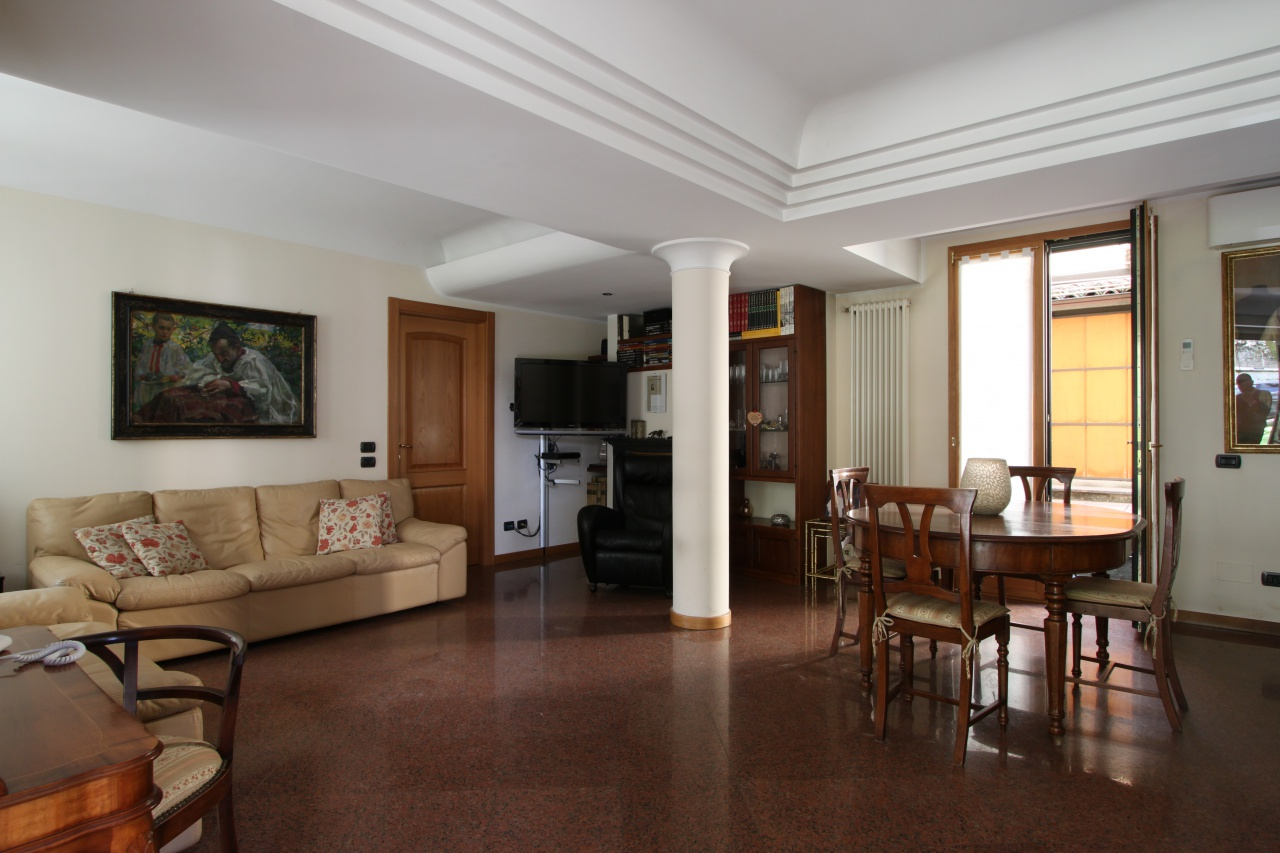 Appartamento ristrutturato in vendita Rif. 11722890